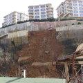 Beykoz'da korkutan toprak kayması