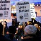 Binlerce Müslüman Amerika ve Avrupa basınını protesto etti