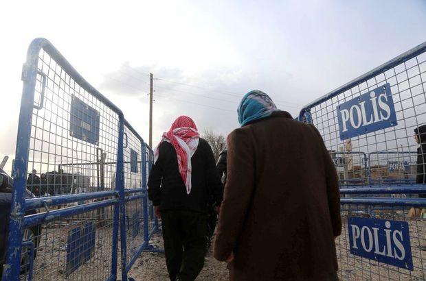 Türkiye'ye sığınan Suriyeli Kürtler Kobani'ye geri dönüyor