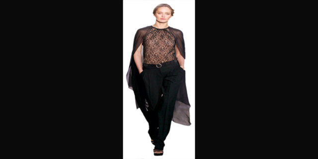 Esra Çoruh, Sevgililer Günü için kadınlara kıyafet önerileri sundu