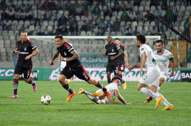 Bursaspor-Beşiktaş maçından bir mücadele