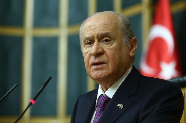 Milliyetçi Hareket Partisi Genel Başkanı Devlet Bahçeli, Başbakan Ahmet Davutoğlu
