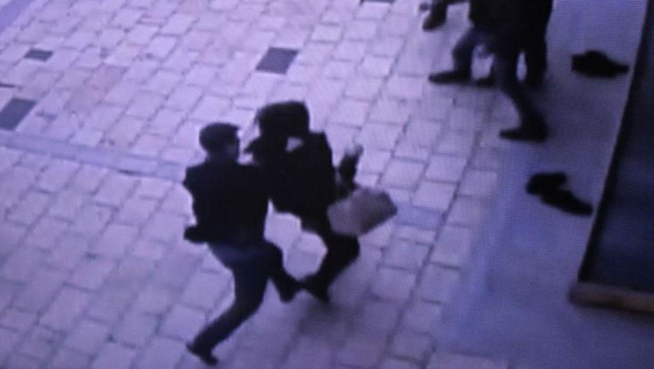 Kahramanmaraş'ta cami avlusunda kadına şiddet