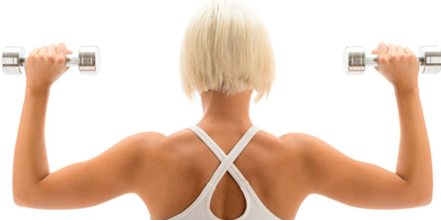 Spor Danışmanı Ebru Karaduman'dan, arka kol kaslarını çalıştıran 5 kol hareketi önerisi