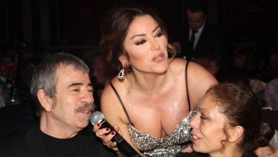 Aşkın Nur Yengi 'nin konserini izlemeye gelenler arasında Cihan Yöntem ve Selçuk Yöntem'de vardı