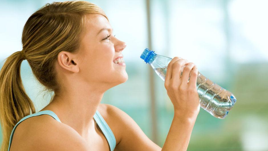 Kalp ve Damar Cerrahı Profesör Mark Whiteley, aşırı su tüketimi