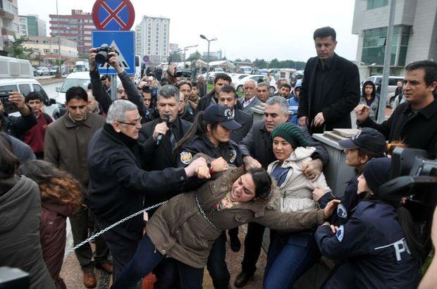 Mersin'deki Özgecan eyleminde polise tekme yumruk atıldı