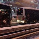 İstanbul'da trafik felç! Beylikdüzü - Zincirlikuyu istikametinde yaşanan sıkıntı nedeniyle metrobüs seferleri durdu