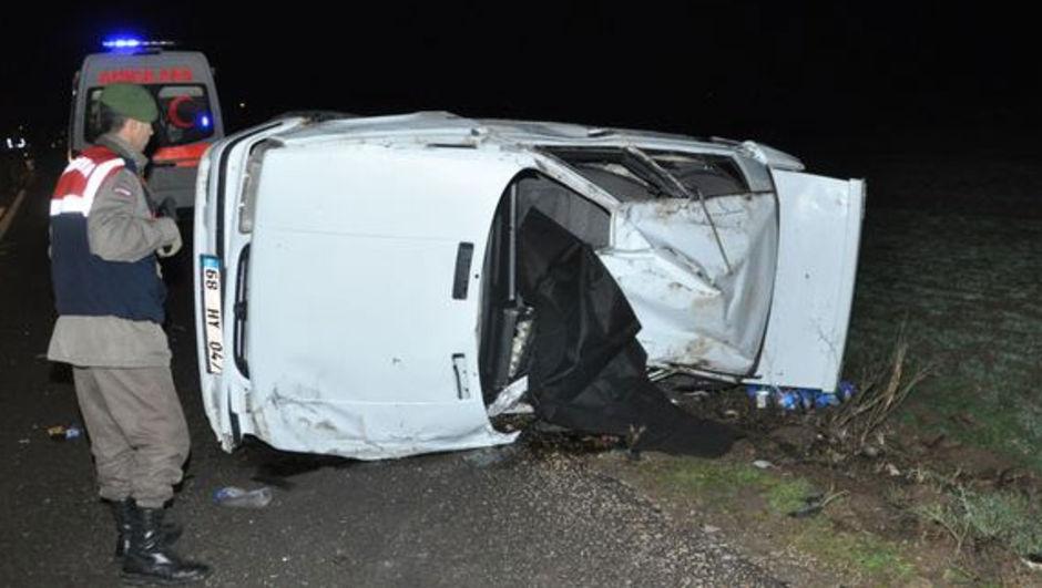 İki otomobilin çarpıştı: 1 ölü, 2  yaralı Aksaray