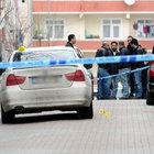 Bayrampaşa'da polis, gasp olayına karıştığı iddia edilen 5 kişiyi kovalamaya başladı. Polis ara sokakta şüphelileri yakaladı