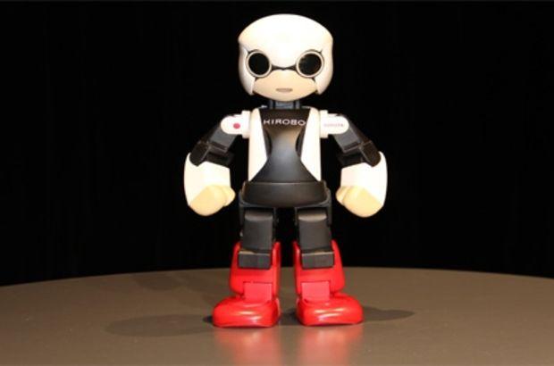 Robot astronot döndü