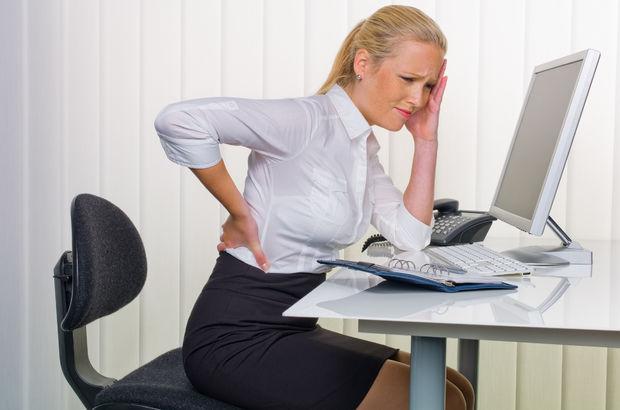 Uzun süre masa başında çalışmak bel fıtığı oluşumunu tetikliyor