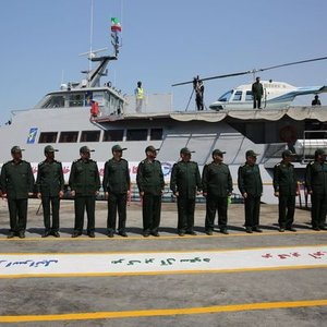 İran'dan yüzde 100 yerli hızlı savaş gemisi!