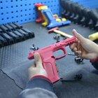 Kadınlara özel 'Pembe tabanca'