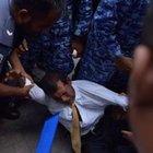 Eski devlet başkanı Muhammed Naşid mahkemeye sürüklenerek götürüldü