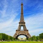 Fransa'nın başkenti Paris'te görülen insansız hava araçları korku yarattı