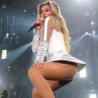 Beyonce göğsünü gere gere gezdi!