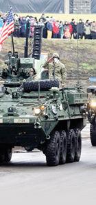 Amerikan zırhlıları Rus sınırında geçit töreni yaptı