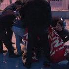 Dolmabahçe Camii önünde zincirli eylem