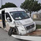 Balıkesir'de öğrenci servisi kaza yaptı