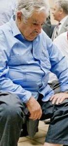 Uruguay Devlet Başkanı Jose Alberto Mujica yerini Tabare Vazkuez'e böyle bıraktı
