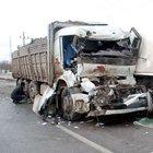 Kütahya'da TIR'la kamyon çarpıştı: 1 yaralı