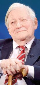 Almanya'nın eski başbakanı Helmut Schmidt eşini aldaltığını itiraf etti