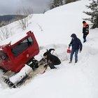 Karda mahsur kalan güvenlik görevlilerine AFAD ulaştı