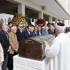Mehmet Ağar'ı kardeşinin cenaze töreninde dostları yalnız bırakmadı