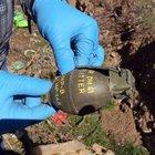 Isparta'nın Şarkikaraağaç İlçesi'nde el bombası ve patlayıcı bulundu