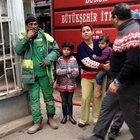 Bursa'da evi yanan çocuklar ayakkabısız kaldı