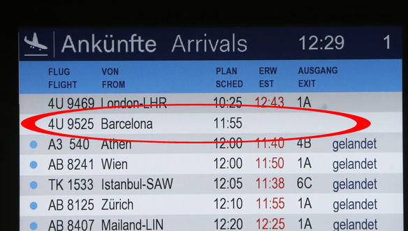 Fransa da 150 kişi taşıyan yolcu uçağı düştü