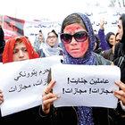 Afganistan'da kadınlar Ferhunde için sokağa döküldü