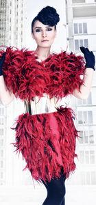 Sibel Pamuk'un elbisesi için 760 horoz kesildi