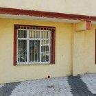 Sultanbeyli'de evin penceresine bırakılan bomba patladı