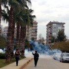 Akdeniz Üniversitesi'nde karşıt görüşlü öğrenciler arasında olay çıktı