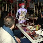 Bu kafede garsonlar robot!