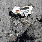 Fransa'da düşen uçağa ait olduğu iddia edilen ses kayıtları yayınlandı