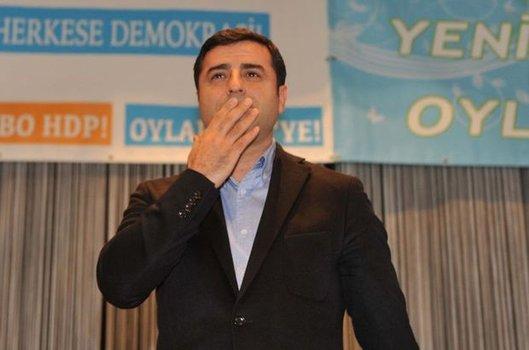 Esra YAZDIÇ DEMİR HDP Eş Genel Başkanı Selahattin Demirtaş Alevi