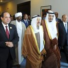 Suudi blokun devlet başkanları, 26'ncı Arap Birliği Zirvesi'nde buluştu