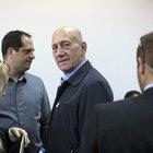 İsrail'in eski lideri rüşvetten suçlu bulundu