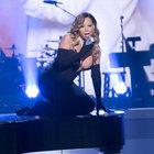 Mariah Carey denize böyle girdi