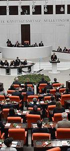 Milletvekili seçimle yaşının 18'e indirilmesiyle ilgili Anayasa değişikliği teklifi kabul edildi