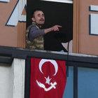 Kartal AK Parti ilçe binasında operasyon: Silahlı 1 kişi gözaltına alındı