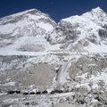 Everest'i Hintli askerler temizleyecek