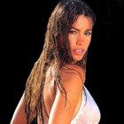 Sofia Vergara göğüslerinden şikayetçi