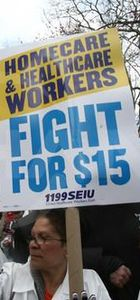New York'ta işçiler saat ücreti için yürüdü