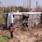 Kayseri'de Güney Koreli turistleri taşıyan otobüs devrildi: 11 yaralı