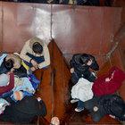 IŞİD zulmünden kaçmaya çalışan 35 Suriyelei tren vagonunda yakalandı