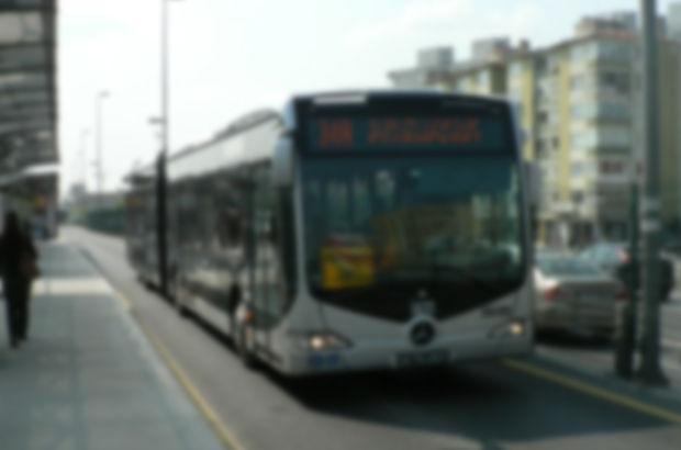 Metrobüs arızalanınca uzun kuyruklar oluştu
